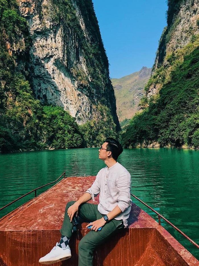 Chèo Thuyền Trên Sông Nho Quế