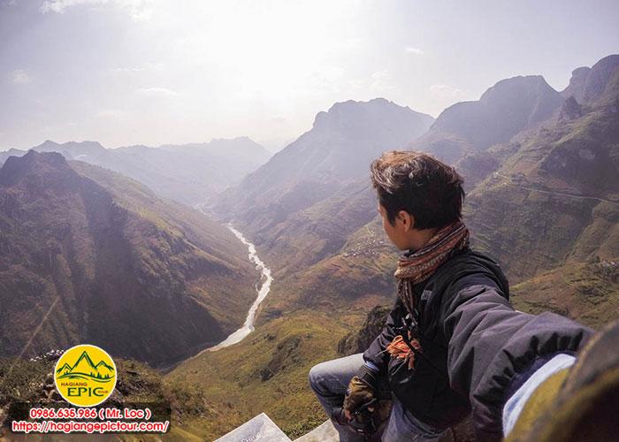 Tour Hà Giang Phượt Xe Máy Mã Pí Lèng ĐV Epic Tour Bao Gồm Những Dịch Vụ Sau